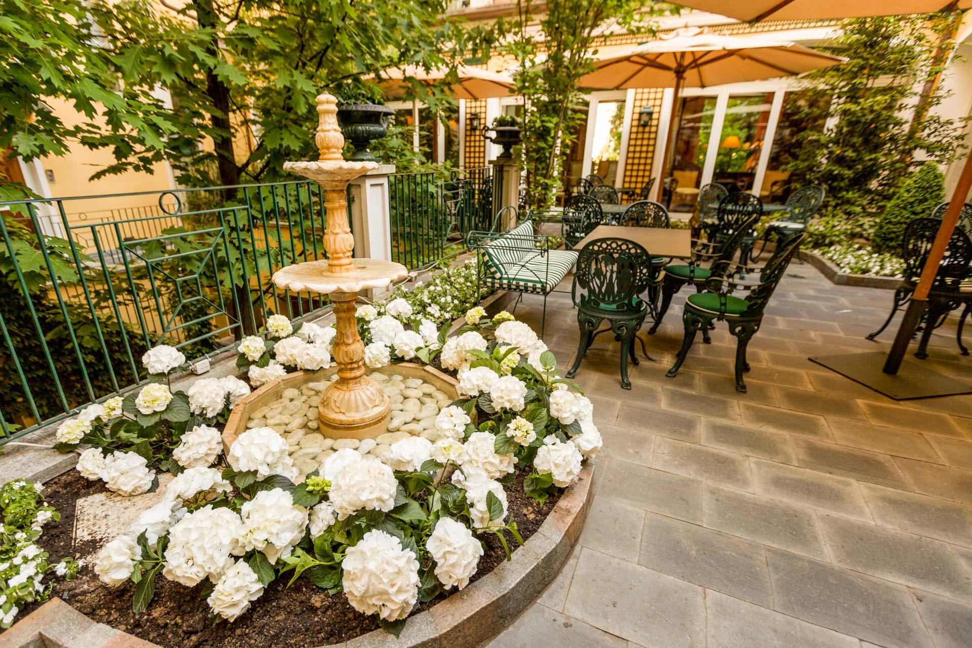 Hotel victoria torino esplorate l 39 eleganza raffinata e - Giardino fiorito torino ...